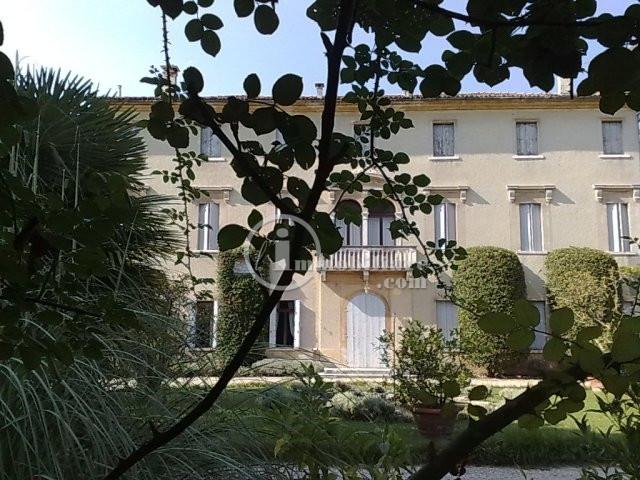 Villa in Vendita a Montebelluna via s. caterina