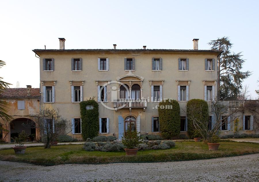 Villa in Vendita a Montebelluna: 5 locali, 1000 mq - Foto 2