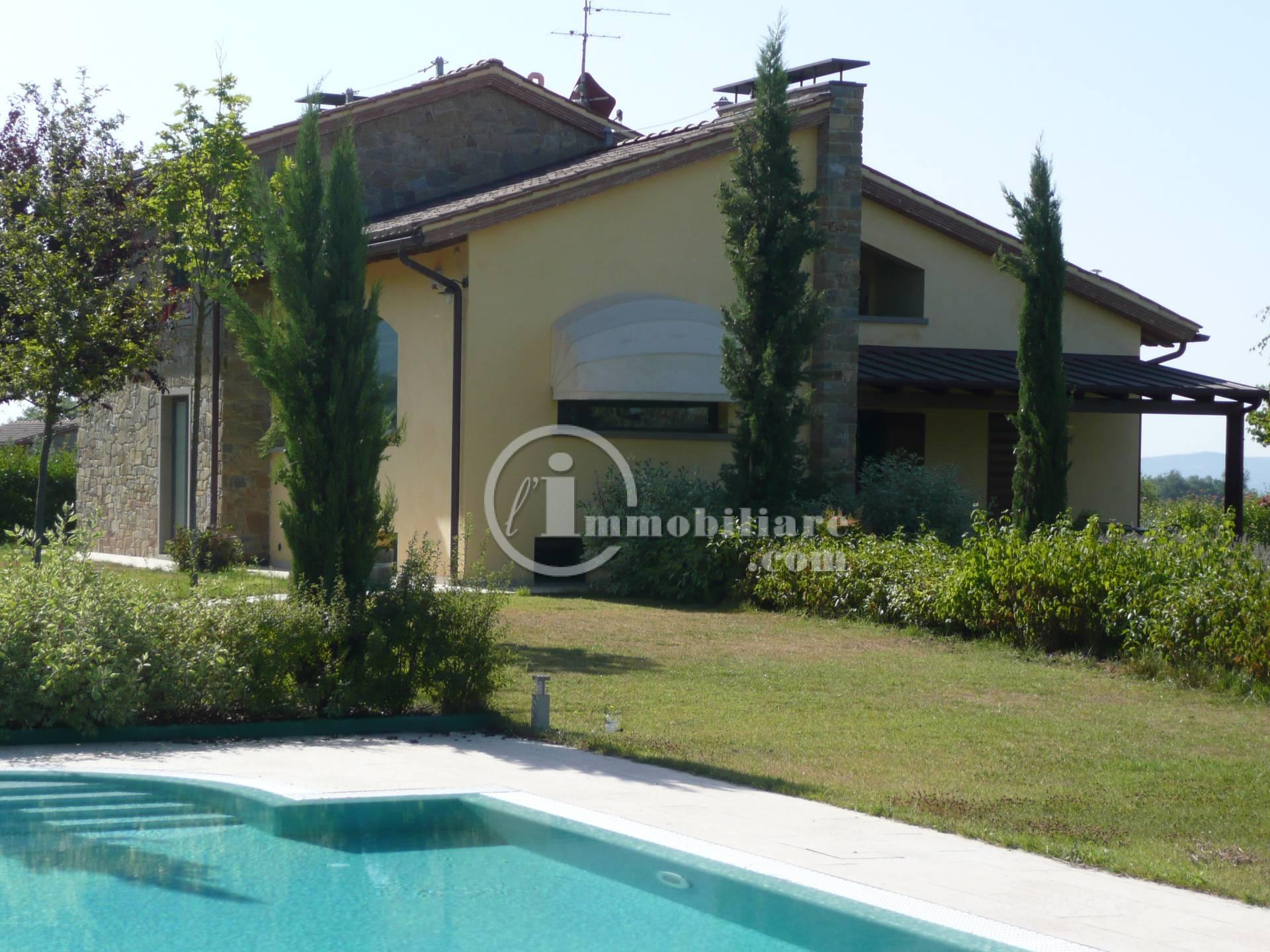 Villa in Vendita a Terranuova Bracciolini: 5 locali, 300 mq