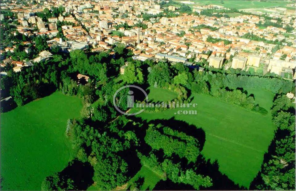 Palazzo in Vendita a Seveso:  5 locali, 1800 mq  - Foto 1