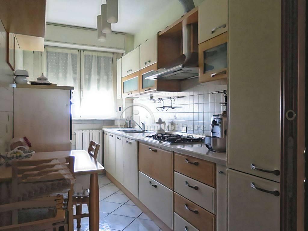 Appartamento in Vendita a Bollate: 4 locali, 100 mq