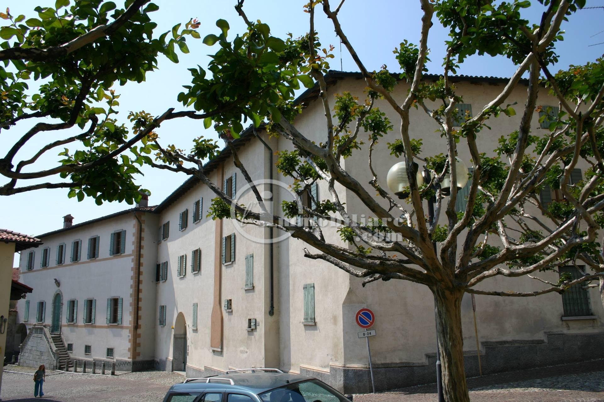 Palazzo in Vendita a Soriso: 5 locali, 3400 mq