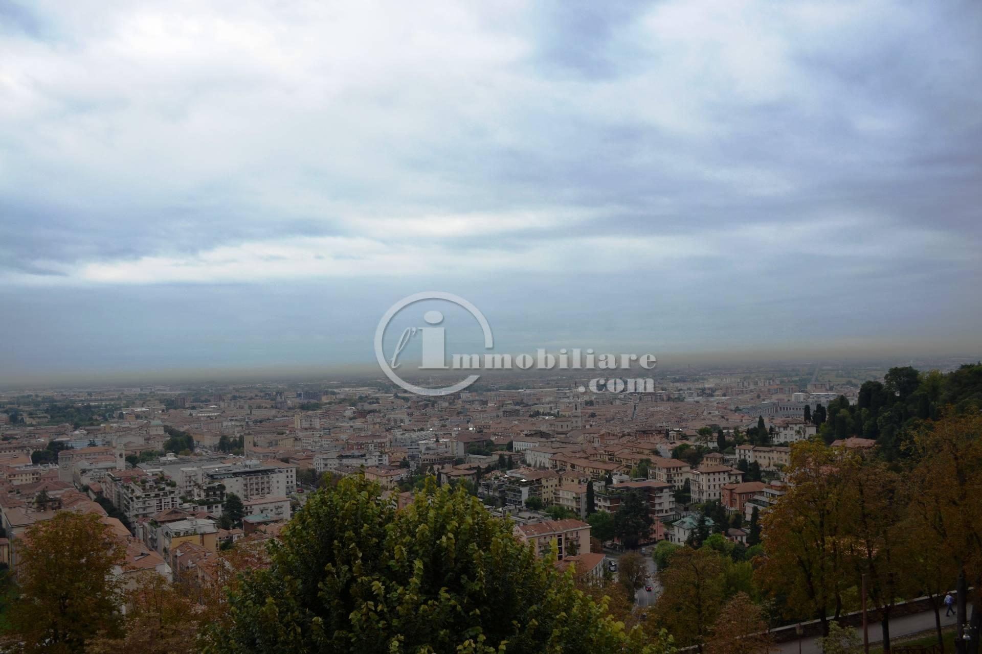 Appartamento in Vendita a Bergamo: 5 locali, 270 mq - Foto 2