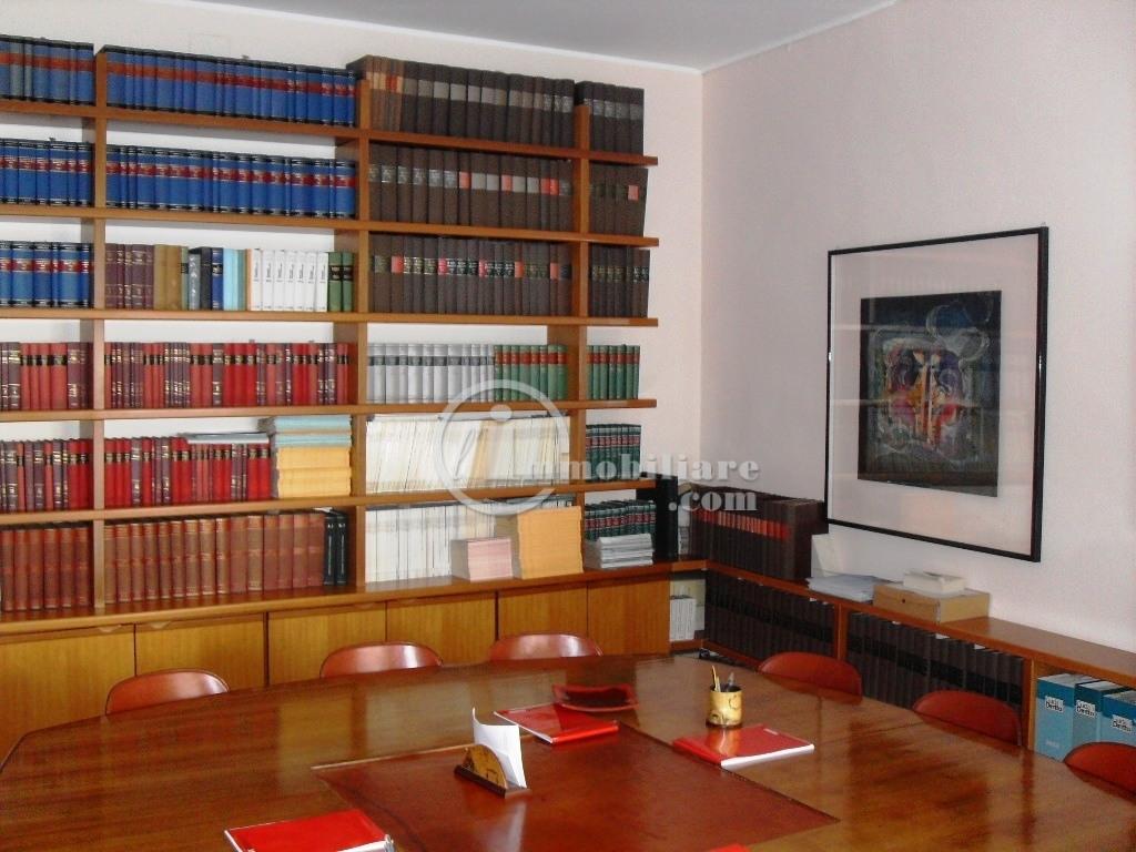 Ufficio-studio in Affitto a Milano: 4 locali, 120 mq