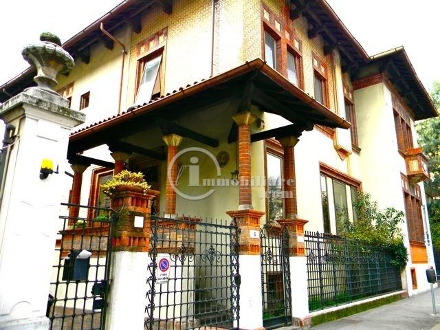 Villa in Vendita a Milano 08 Vercelli / Magenta / Cadorna / Washington: 5 locali, 1000 mq