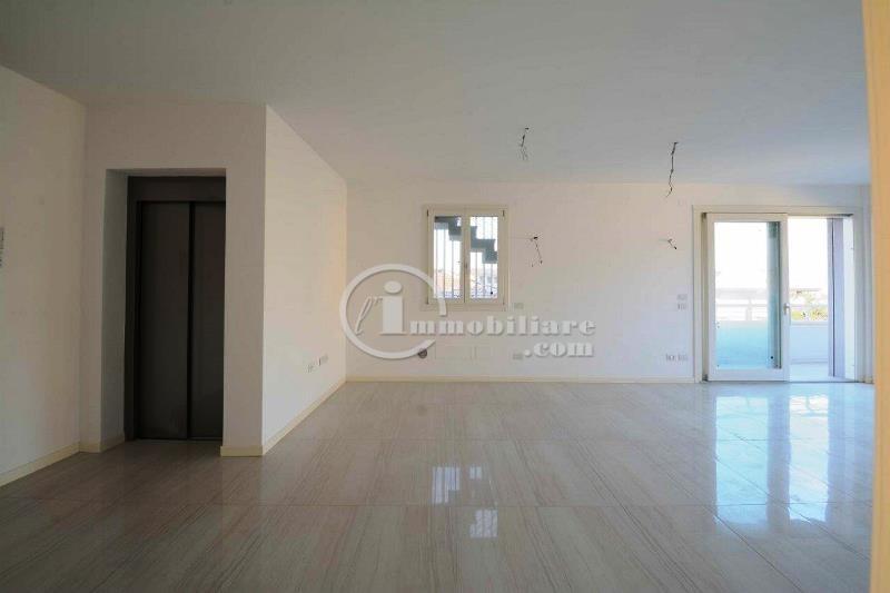 Appartamento in Vendita a Desenzano Del Garda: 5 locali, 125 mq - Foto 7