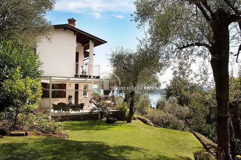 Villa in Vendita a Gardone Riviera: 5 locali, 240 mq