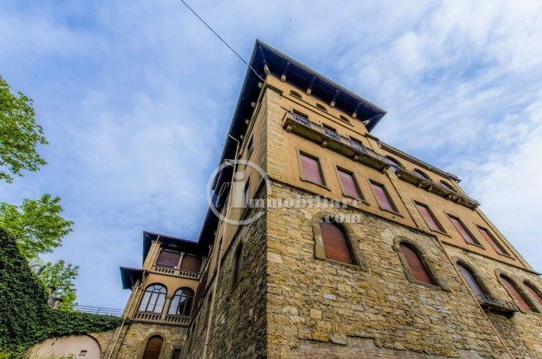 Appartamento in Vendita a Bergamo: 5 locali, 300 mq