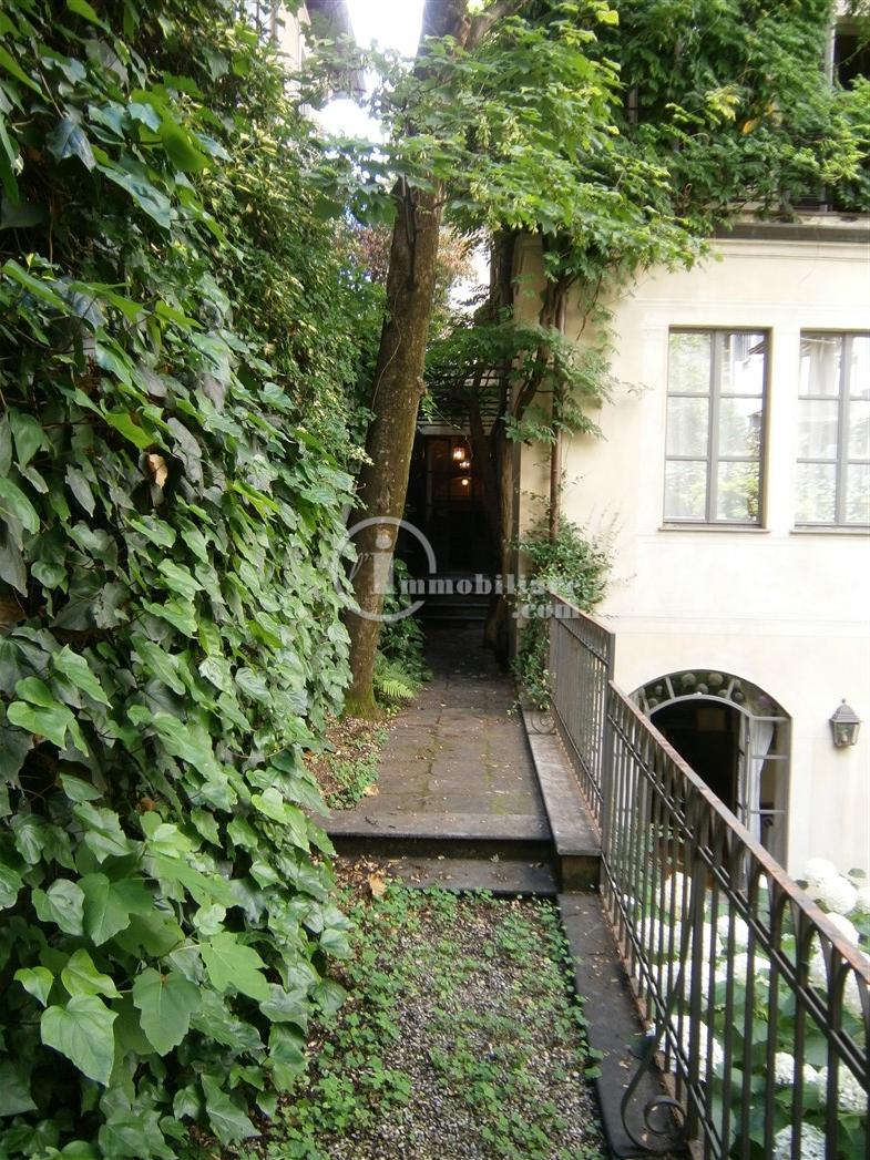 Villa in Affitto a Milano 01 Centro storico (Cerchia dei Navigli): 5 locali, 600 mq