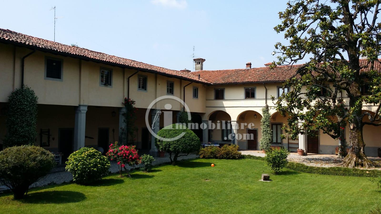 Palazzo in Vendita a Ponte San Pietro: 5 locali, 2850 mq
