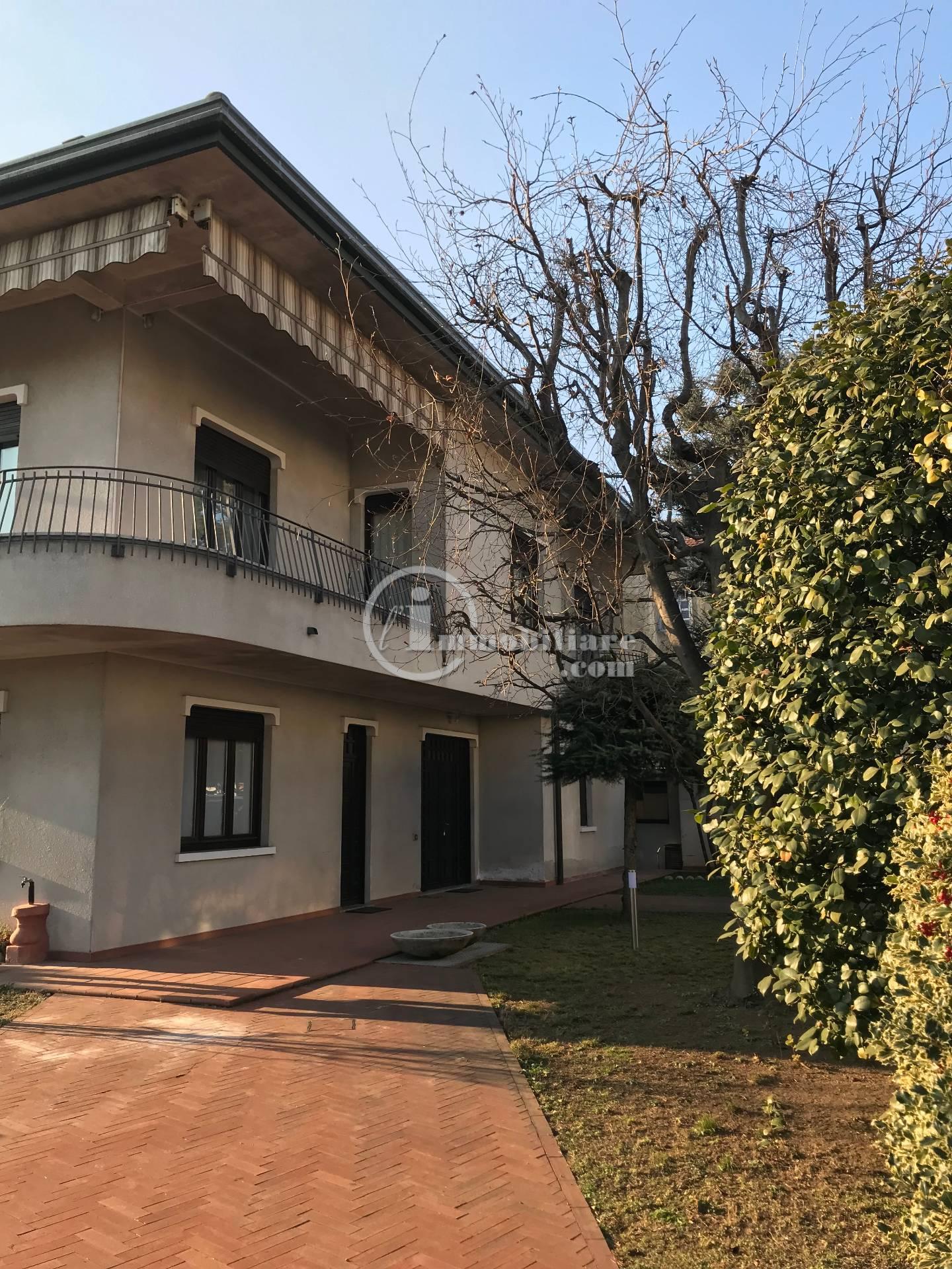 Appartamento in Affitto a Busto Arsizio: 2 locali, 95 mq