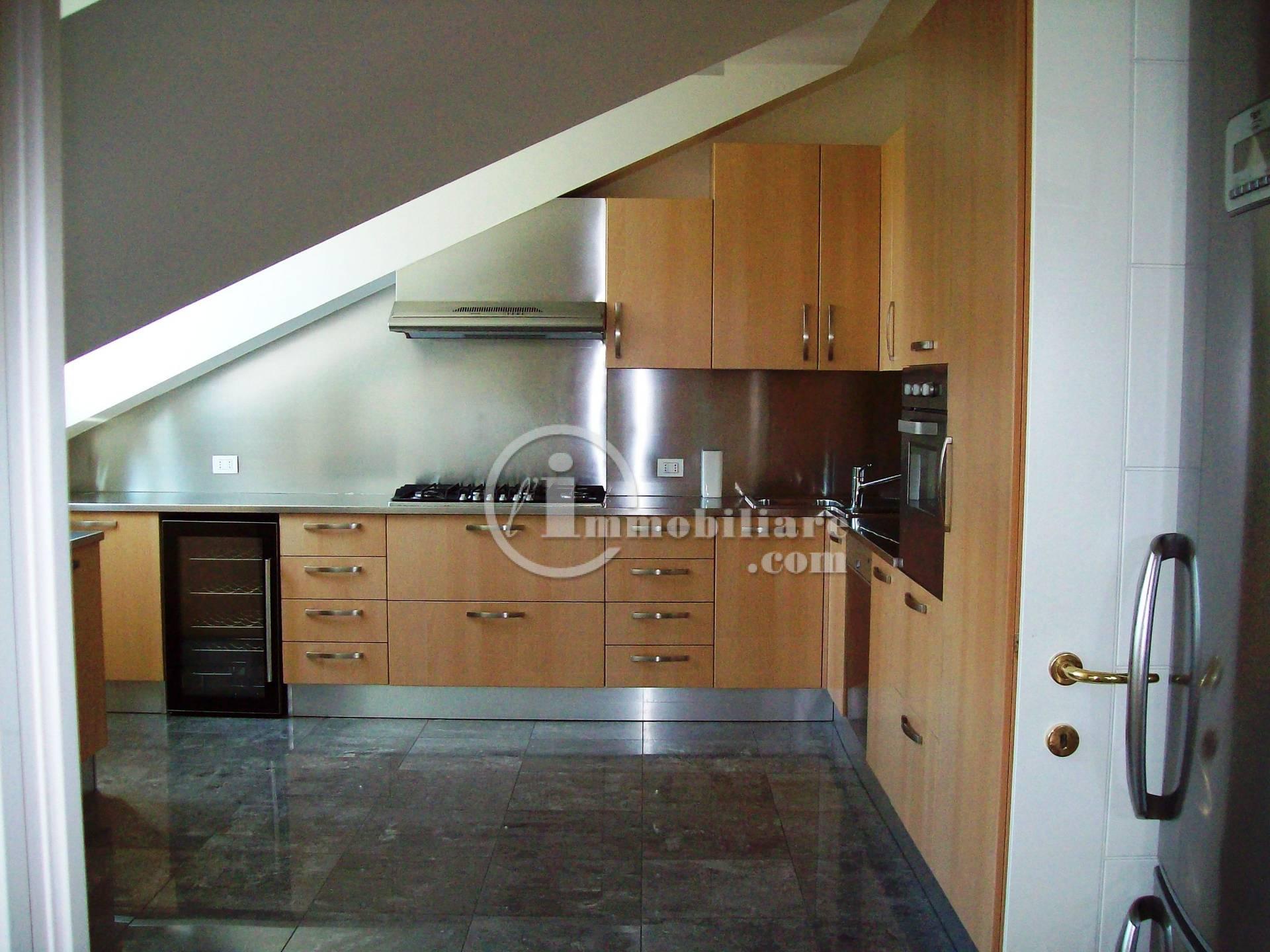 Appartamento in Affitto a Milano 01 Centro storico (Cerchia dei Navigli):  2 locali, 75 mq  - Foto 1