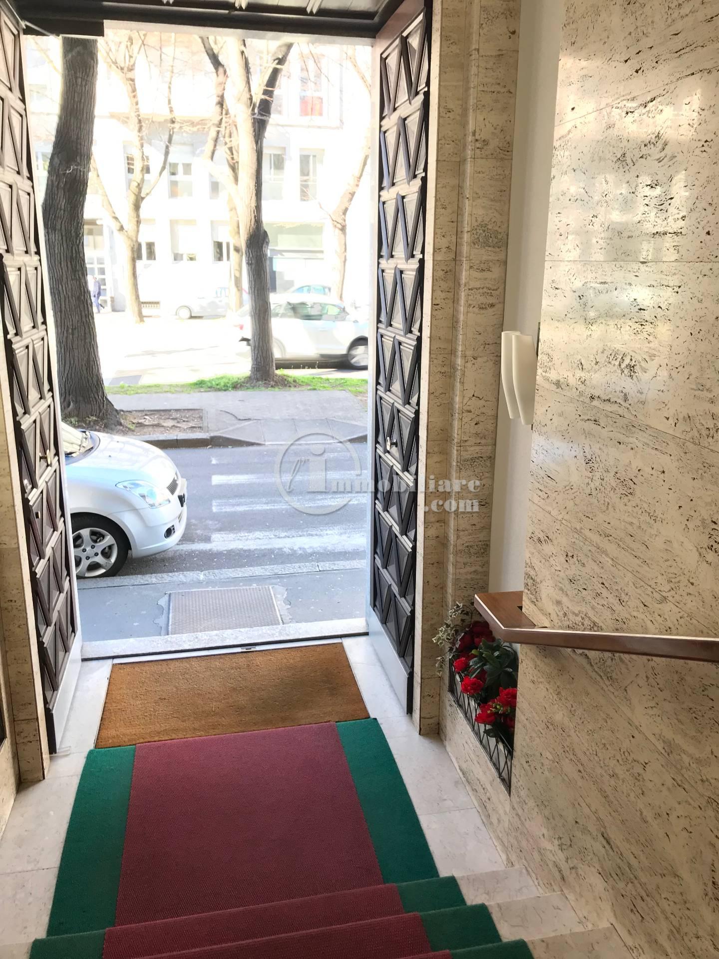 Ufficio-studio in Vendita a Busto Arsizio Centro: 2 locali, 59 mq