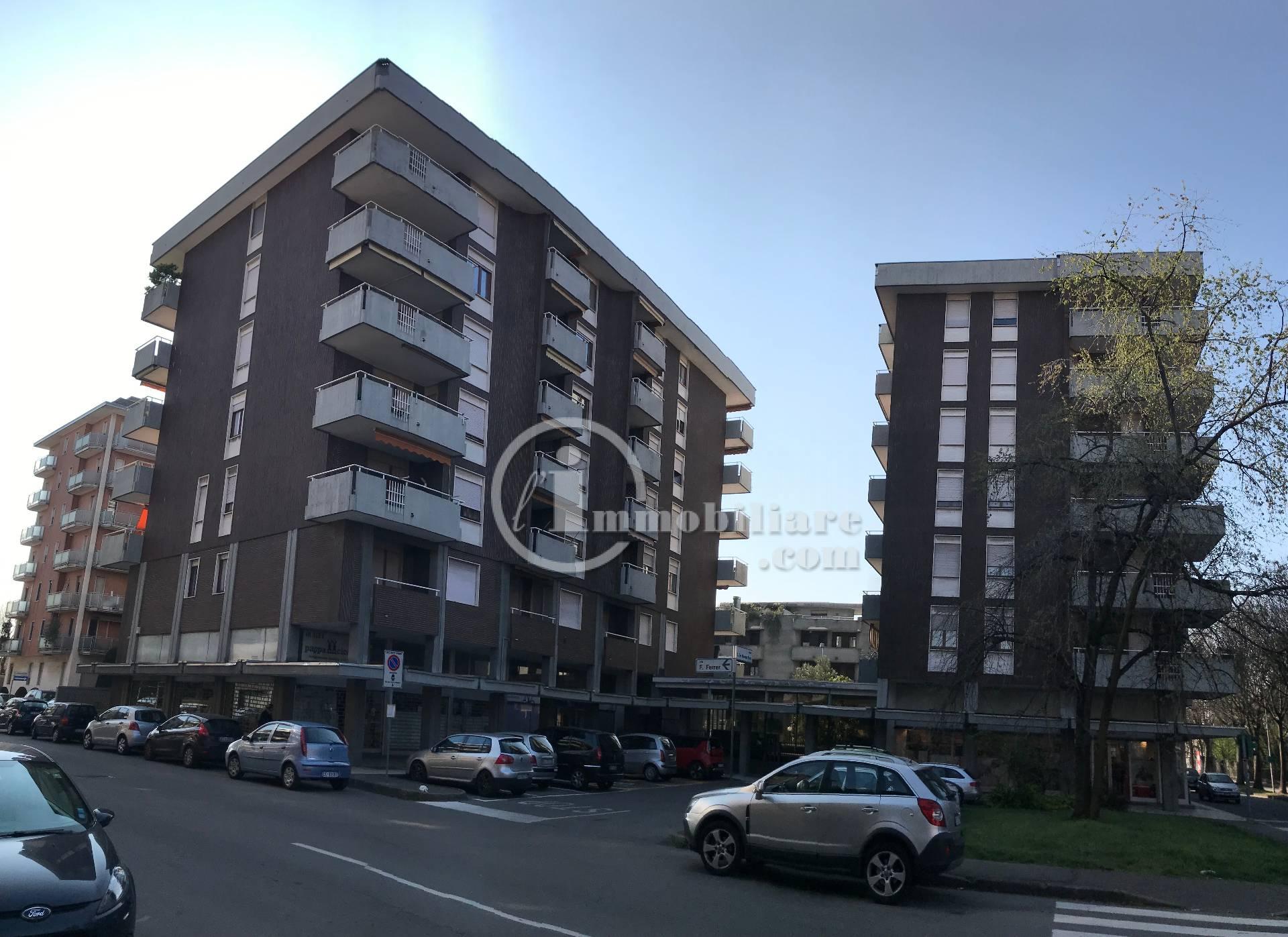 Appartamento in Vendita a Busto Arsizio: 5 locali, 220 mq