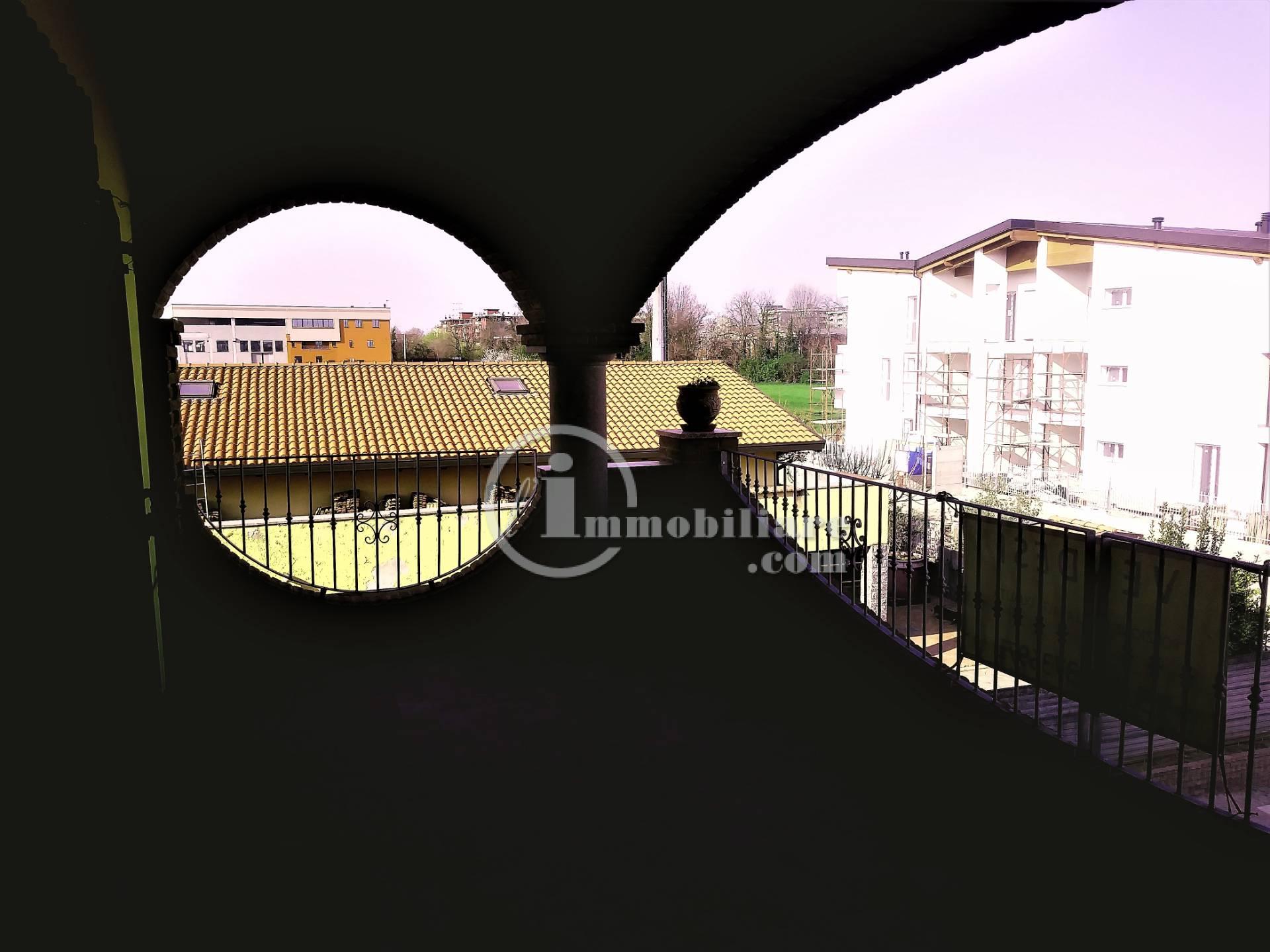 Villa in Vendita a Novate Milanese via baranzate