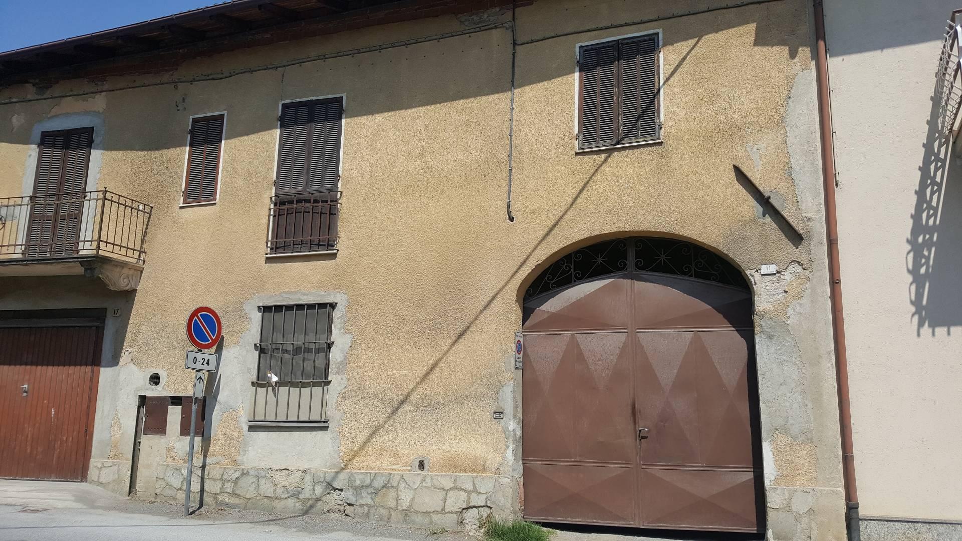 Villa in Vendita a Peveragno: 5 locali, 250 mq