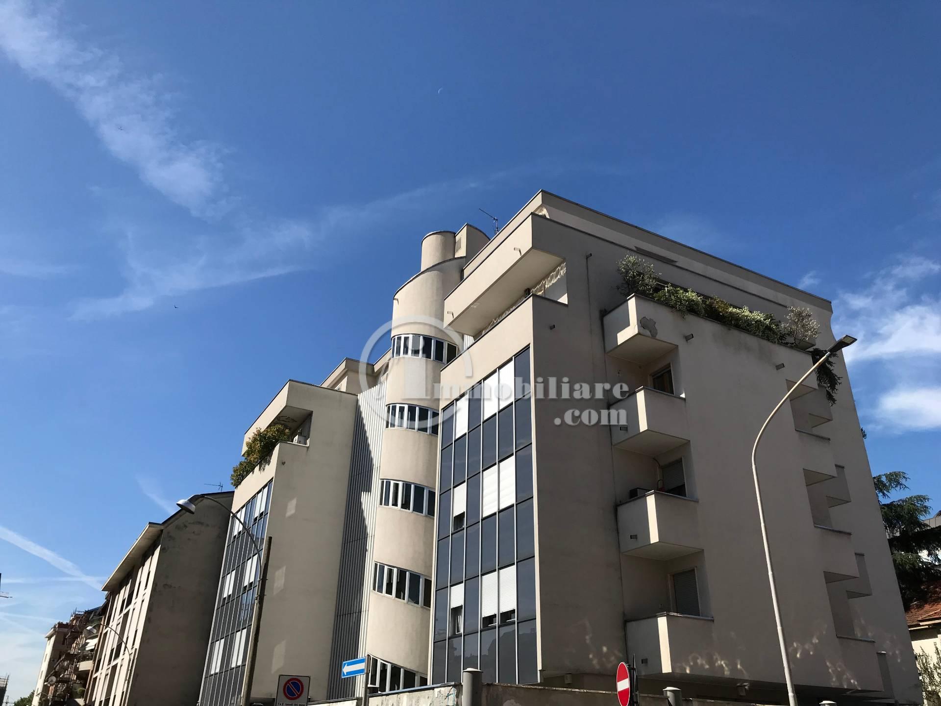 Appartamento in Vendita a Busto Arsizio: 3 locali, 150 mq