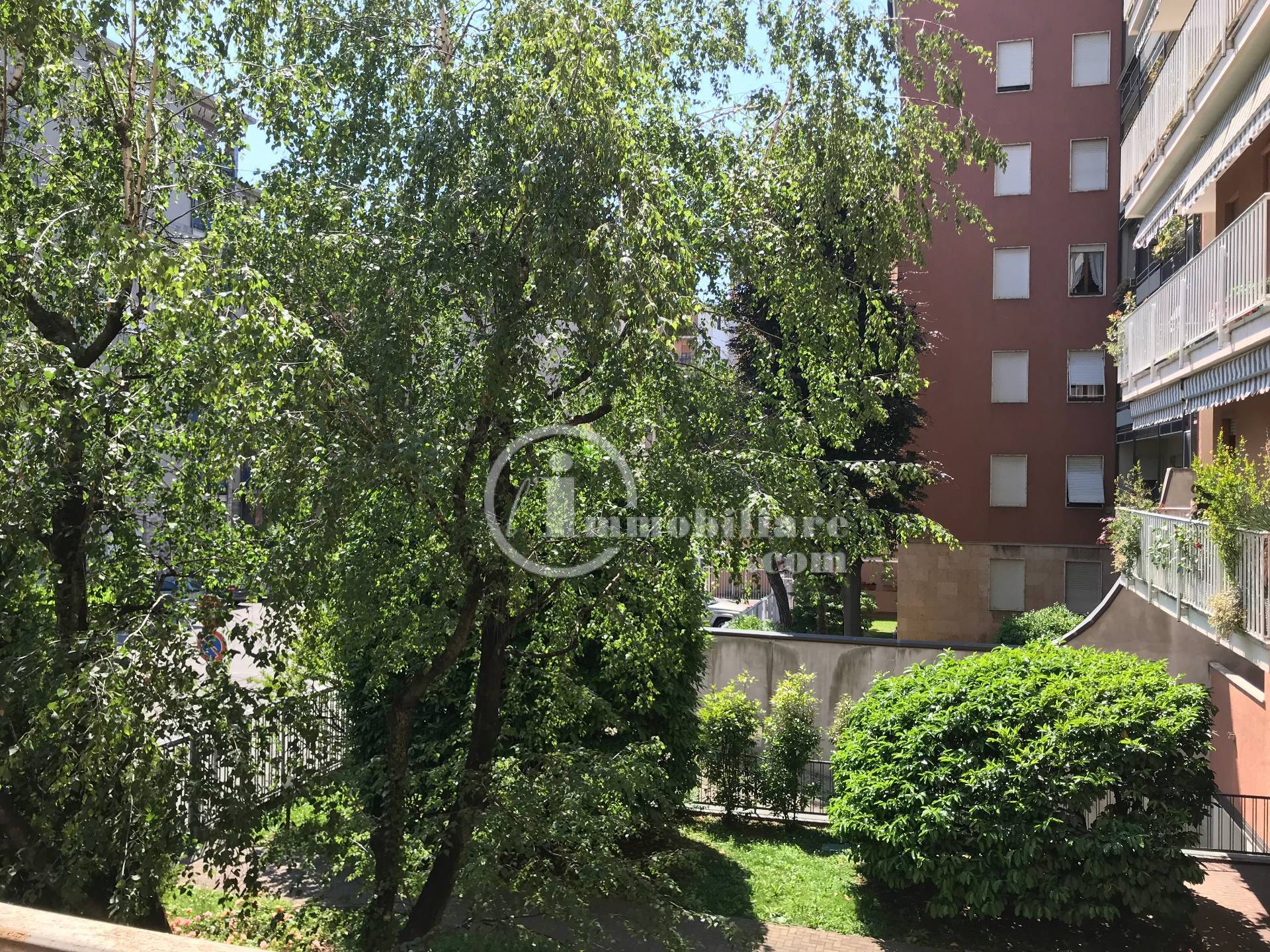 Appartamento in Vendita a Busto Arsizio: 5 locali, 170 mq
