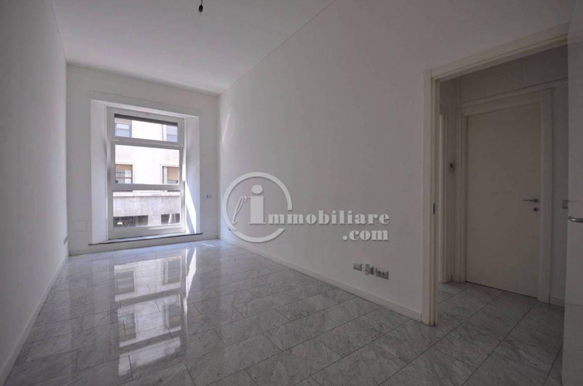 Ufficio-studio in Affitto a Milano 01 Centro storico (Cerchia dei Navigli): 2 locali, 45 mq