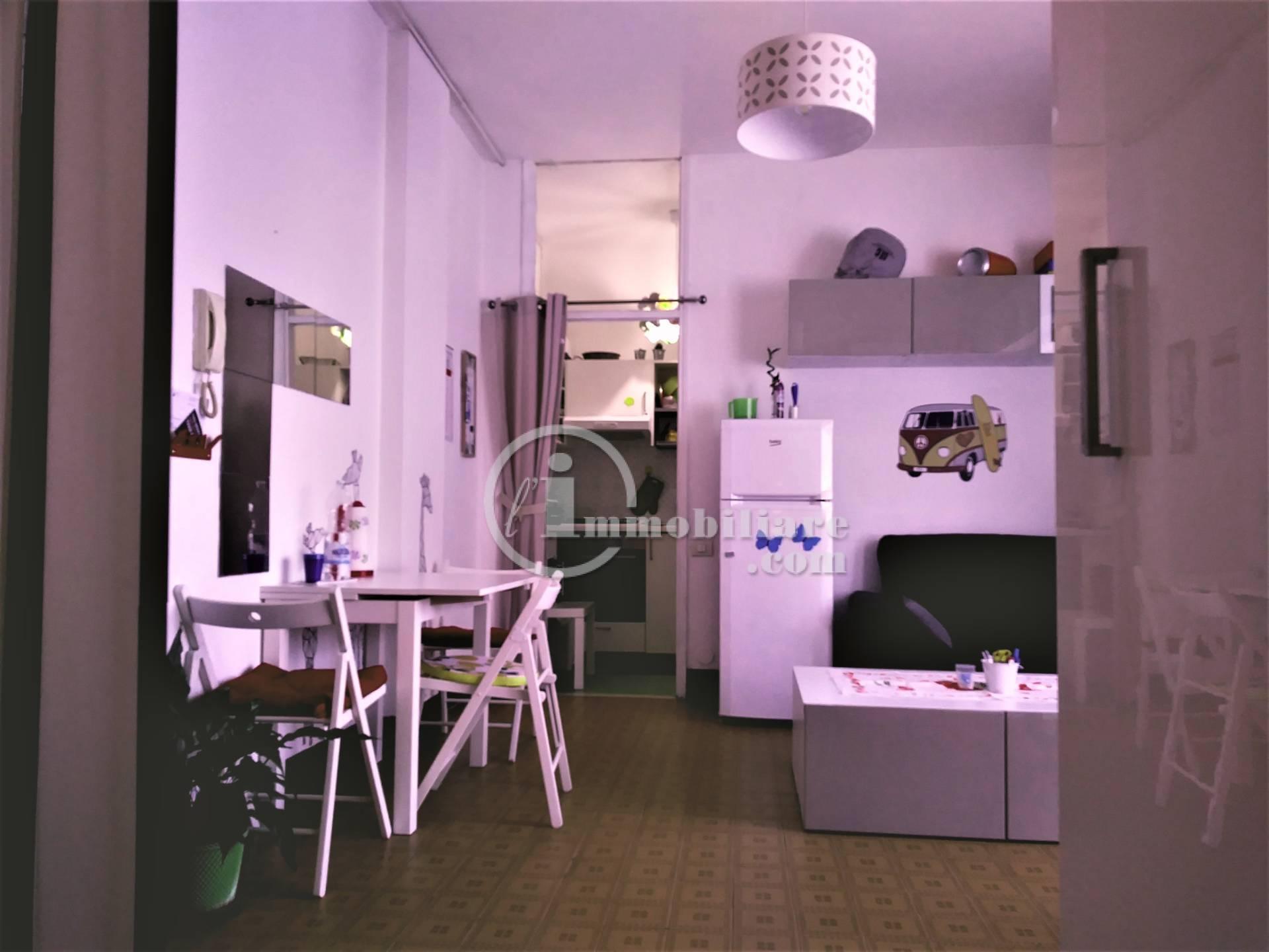 Appartamento in Affitto a Pero: 1 locali, 40 mq