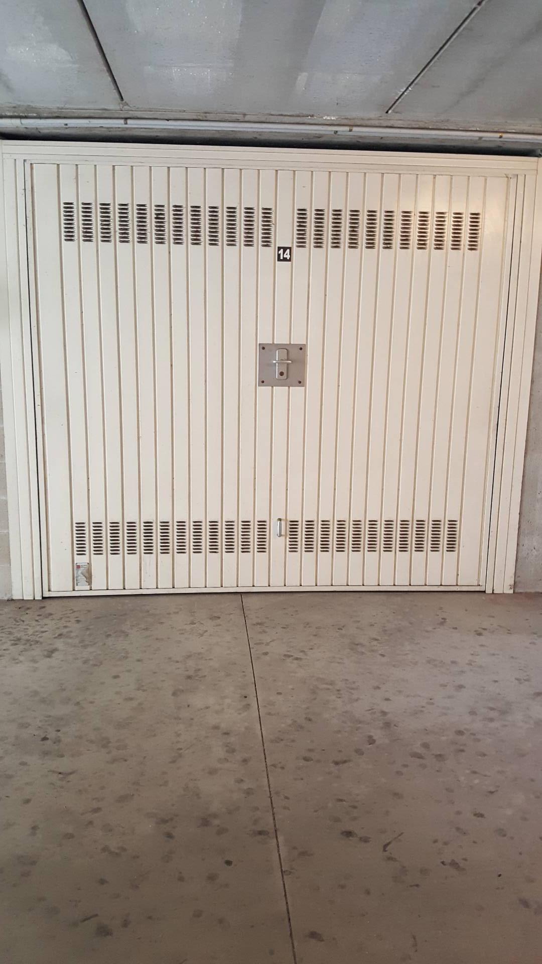 Posto-box auto in Vendita a Nichelino: 1 locali, 14 mq