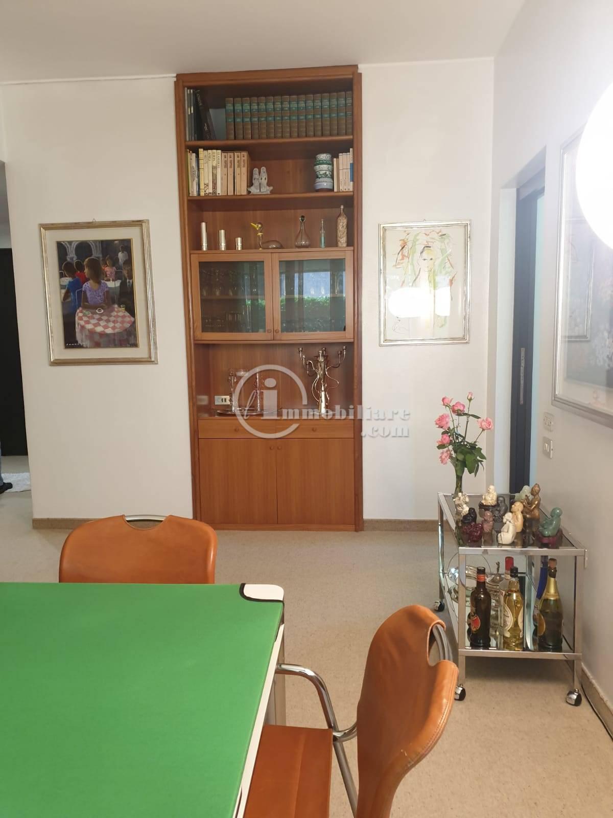 Villa in Vendita a Trezzano Sul Naviglio: 5 locali, 280 mq - Foto 8