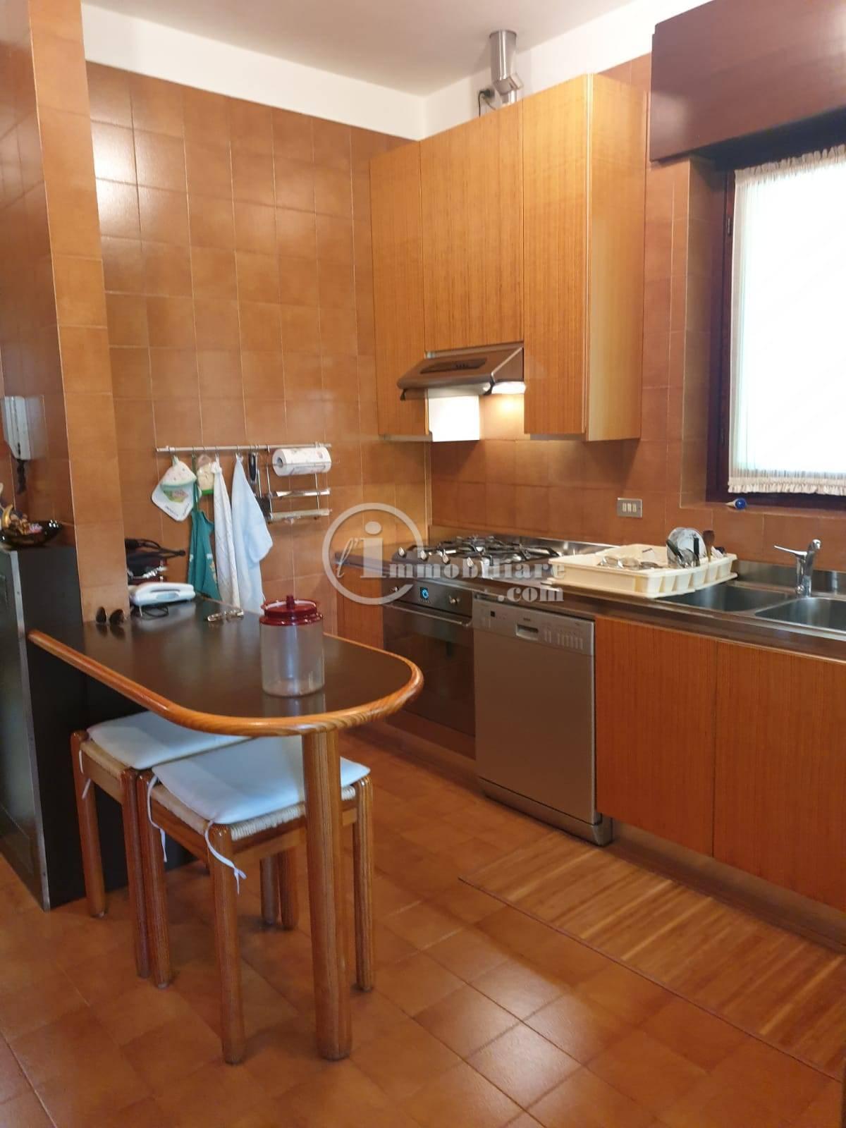 Villa in Vendita a Trezzano Sul Naviglio: 5 locali, 280 mq - Foto 21