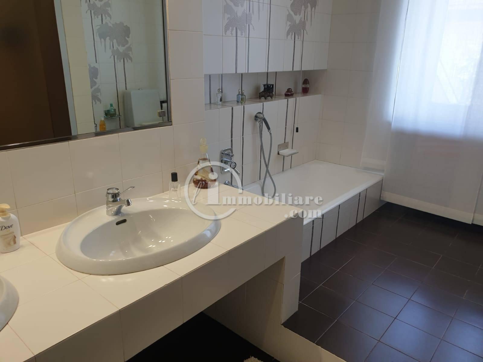 Villa in Vendita a Trezzano Sul Naviglio: 5 locali, 280 mq - Foto 30
