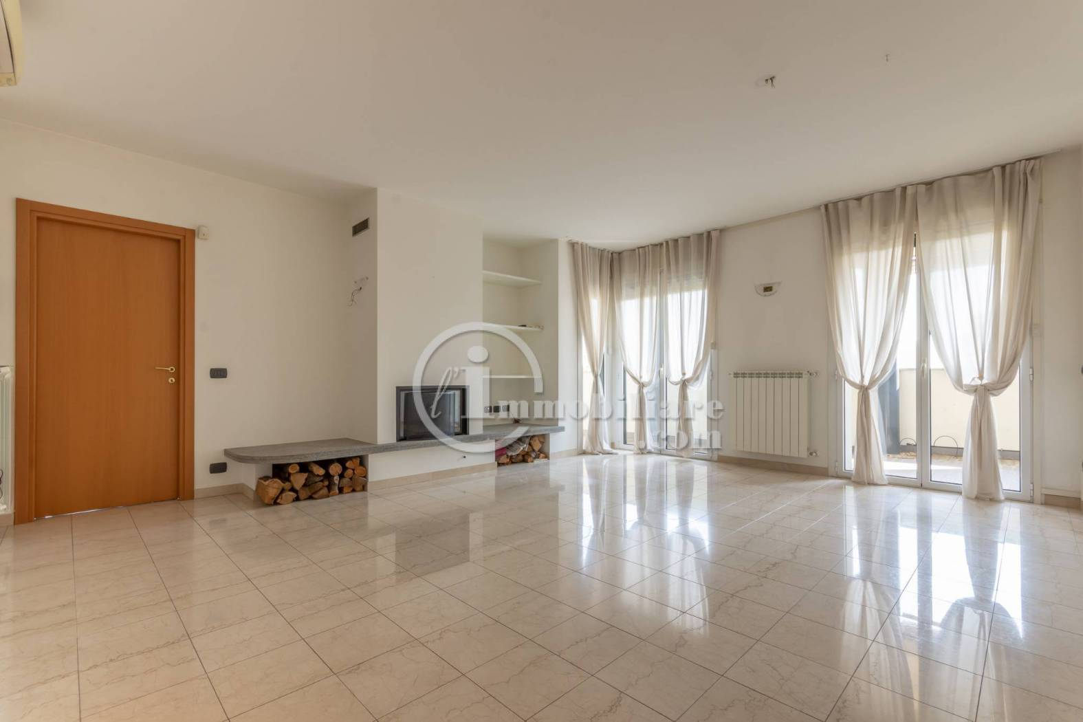 Appartamento in Vendita a Milano 07 Darsena /  Ticinese:  3 locali, 140 mq  - Foto 1
