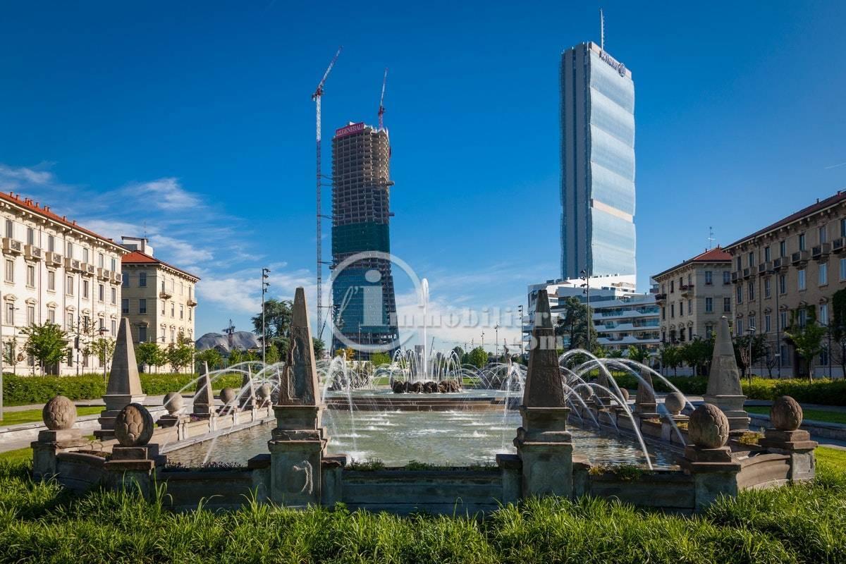 Appartamento in Vendita a Milano 17 Marghera / Wagner / Fiera: 5 locali, 340 mq