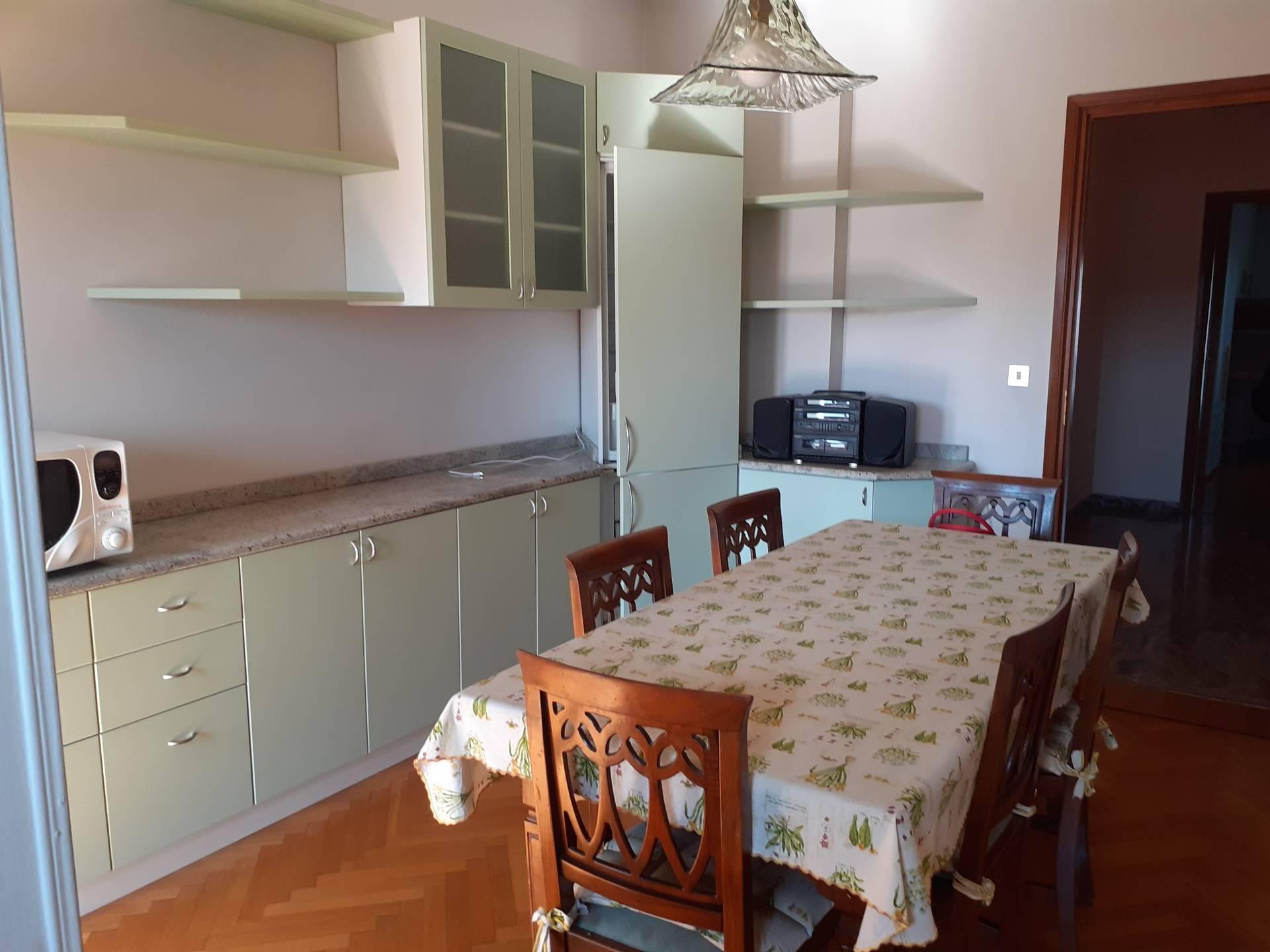 Appartamento in Affitto a Torino: 2 locali, 65 mq