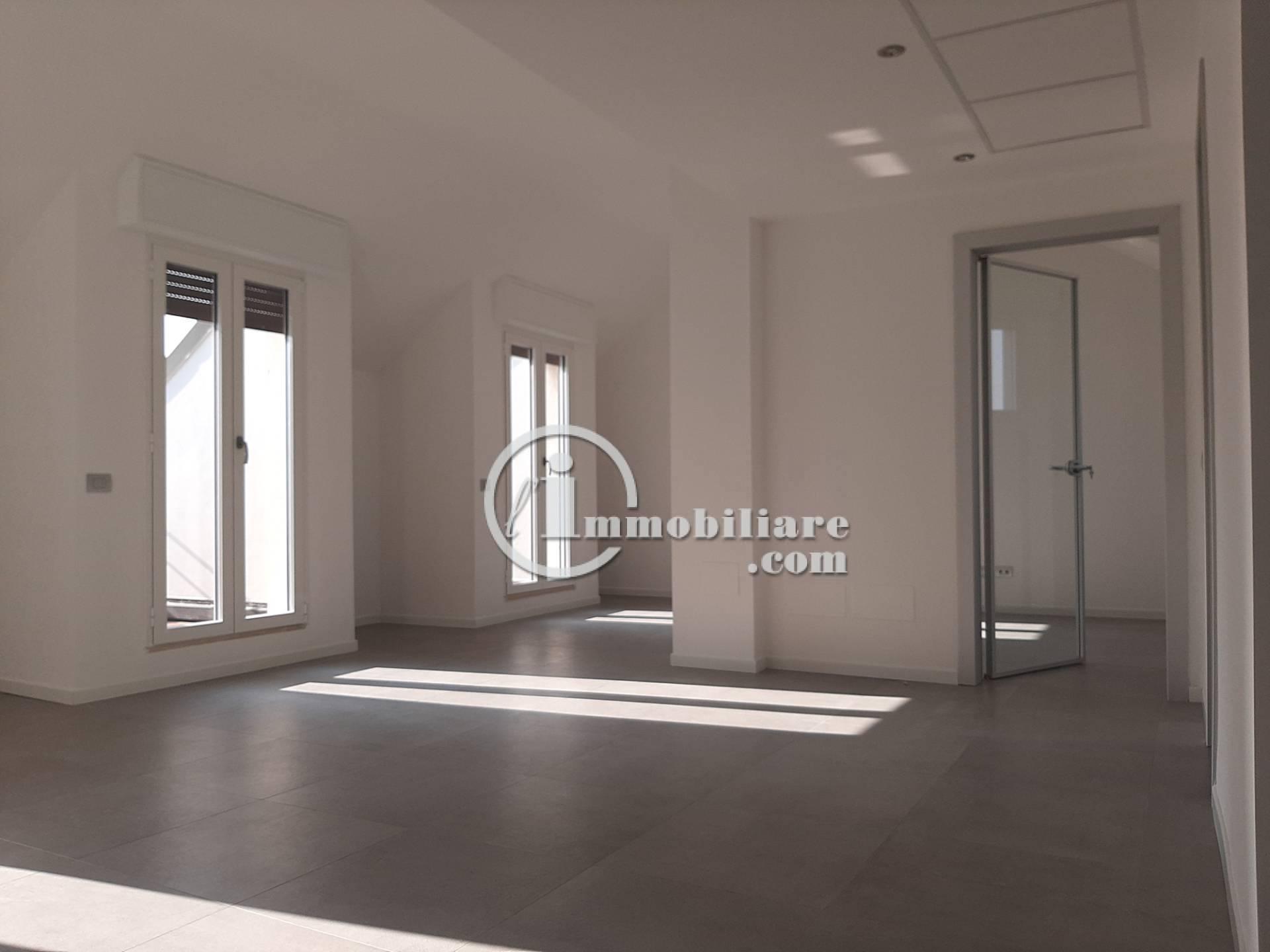 Ufficio-studio in Affitto a Milano 01 Centro storico (Cerchia dei Navigli): 3 locali, 72 mq