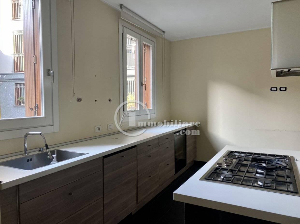 Appartamento in Vendita a Milano: 5 locali, 185 mq - Foto 3