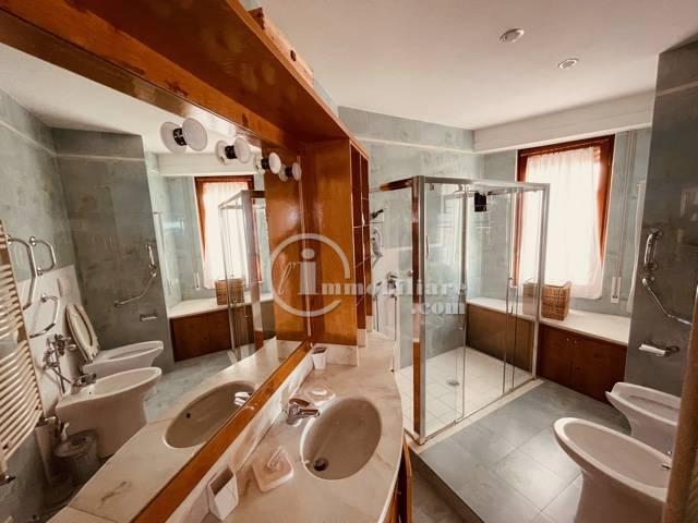 Appartamento in Vendita a Alassio: 5 locali, 270 mq - Foto 8