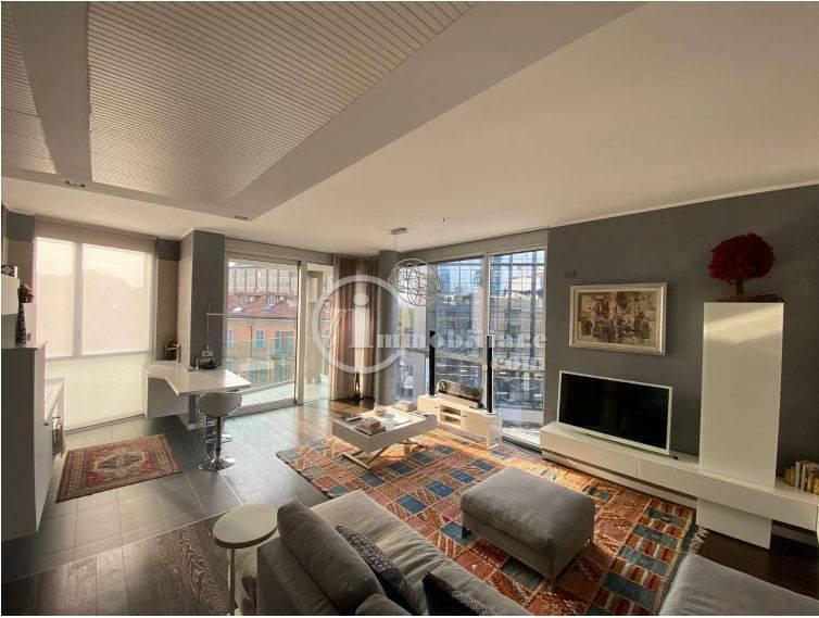 Appartamento in Vendita a Milano corso como