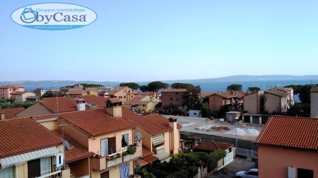 Appartamento in affitto a Trevignano Romano, 6 locali, prezzo € 1.000 | CambioCasa.it