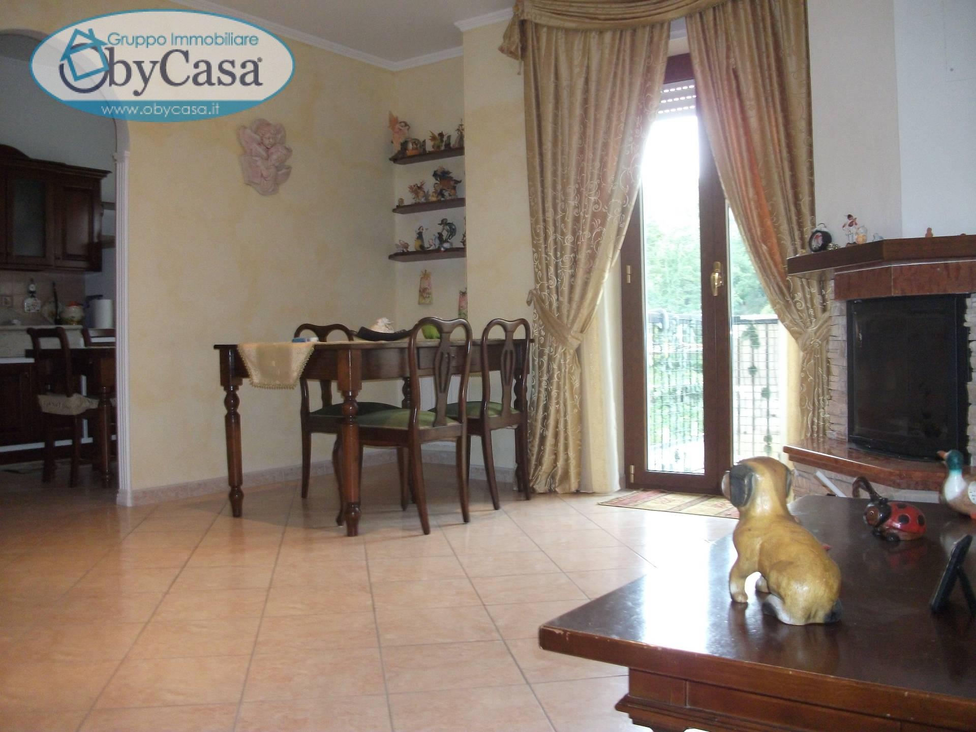 Appartamento in vendita a Barbarano Romano, 4 locali, prezzo € 99.000 | CambioCasa.it
