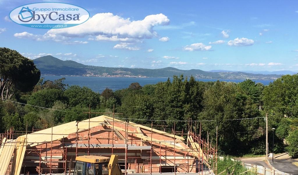 Villa in vendita a Bracciano, 5 locali, zona Località: lago, prezzo € 280.000 | CambioCasa.it