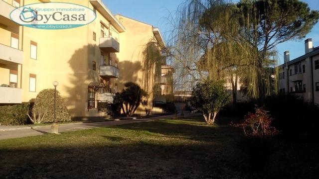 Appartamento in affitto a Bracciano, 4 locali, zona Zona: Cartiere, prezzo € 550 | CambioCasa.it