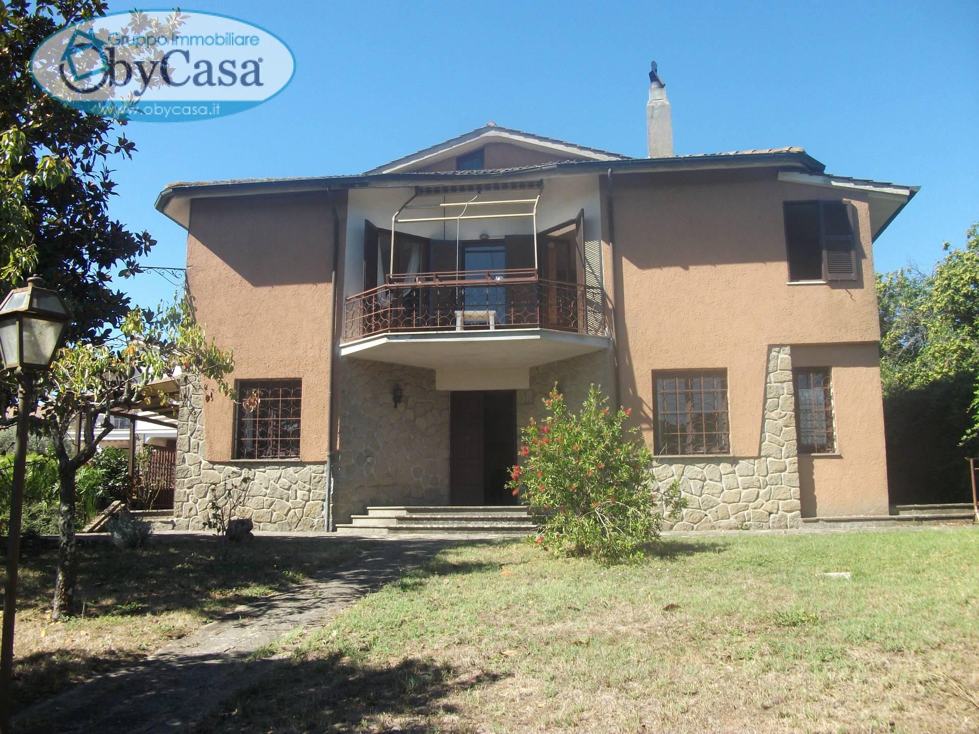 Villa in vendita a Oriolo Romano, 8 locali, zona Località: Terrafredda, prezzo € 280.000 | CambioCasa.it