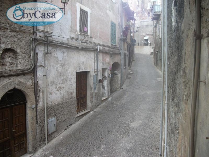 Negozio / Locale in affitto a Bassano Romano, 9999 locali, zona Località: bassanoromano, prezzo € 100 | CambioCasa.it