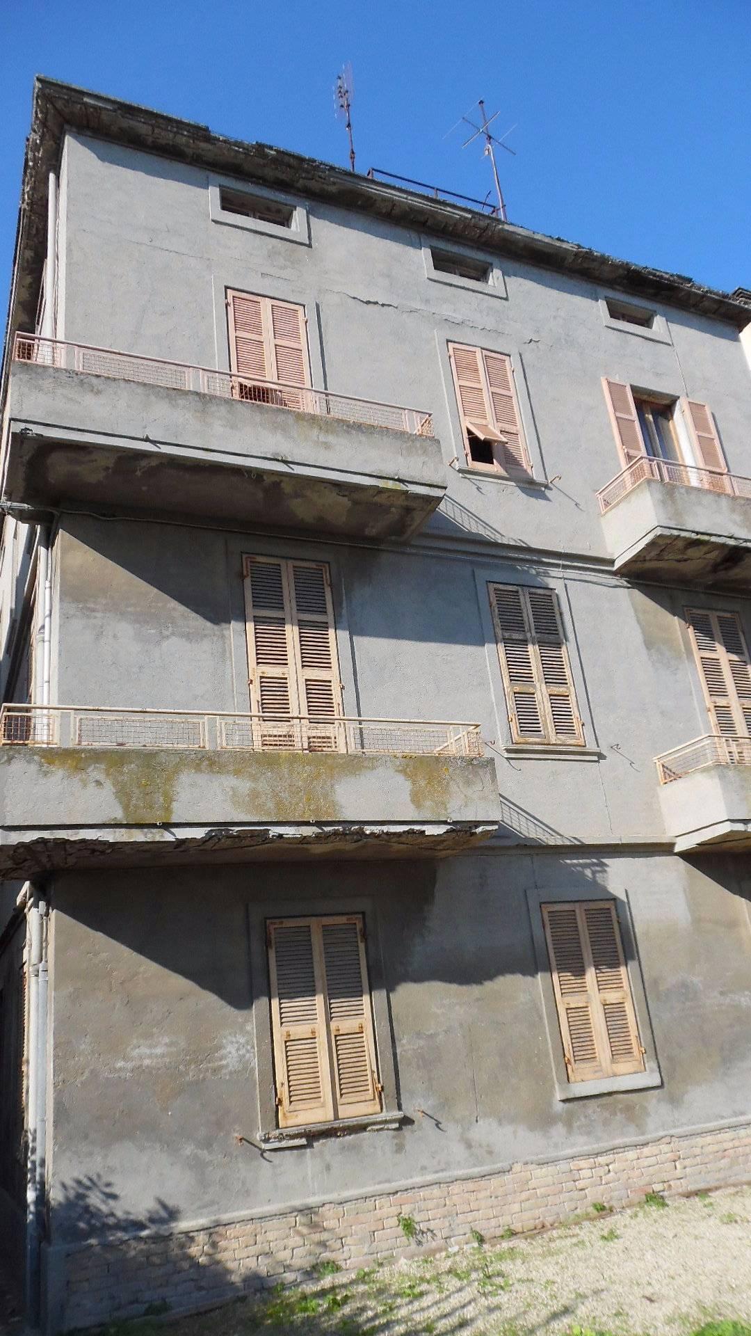 Soluzione Indipendente in vendita a San Benedetto del Tronto, 15 locali, zona Località: Centro, Trattative riservate | CambioCasa.it