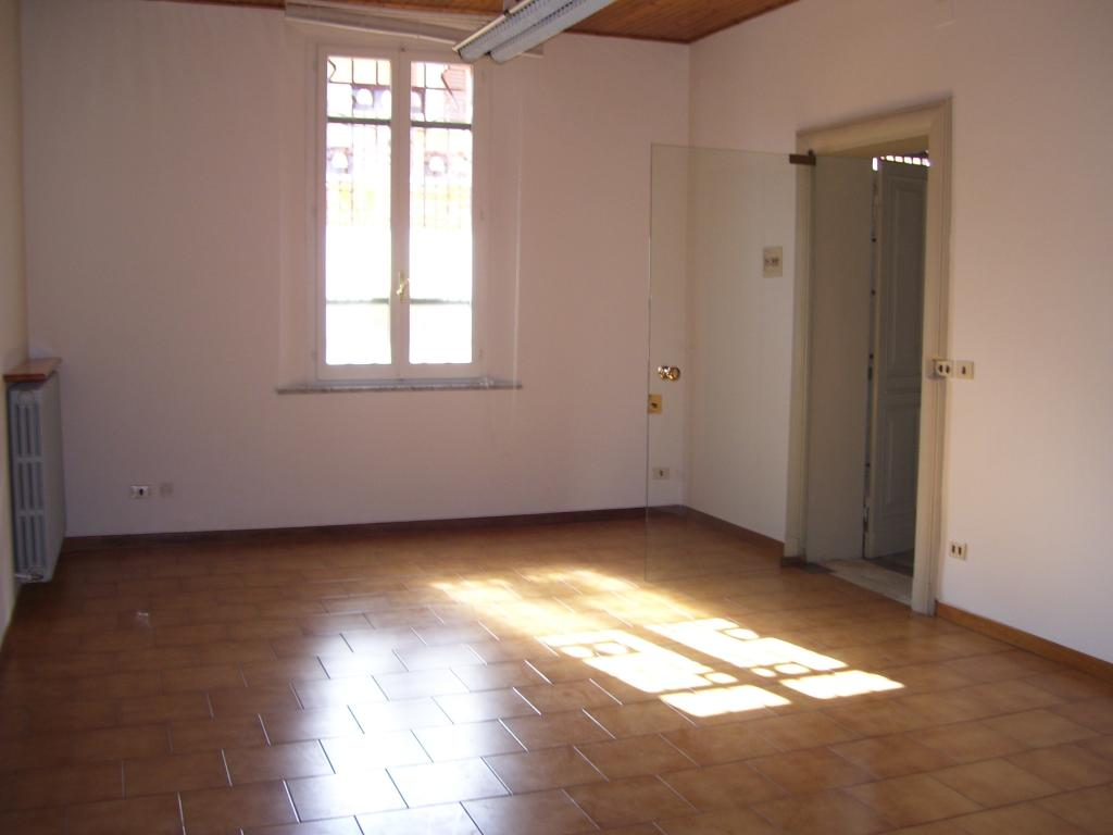Ufficio / Studio in affitto a Cesena, 9999 locali, zona Località: Barriera, prezzo € 280   CambioCasa.it