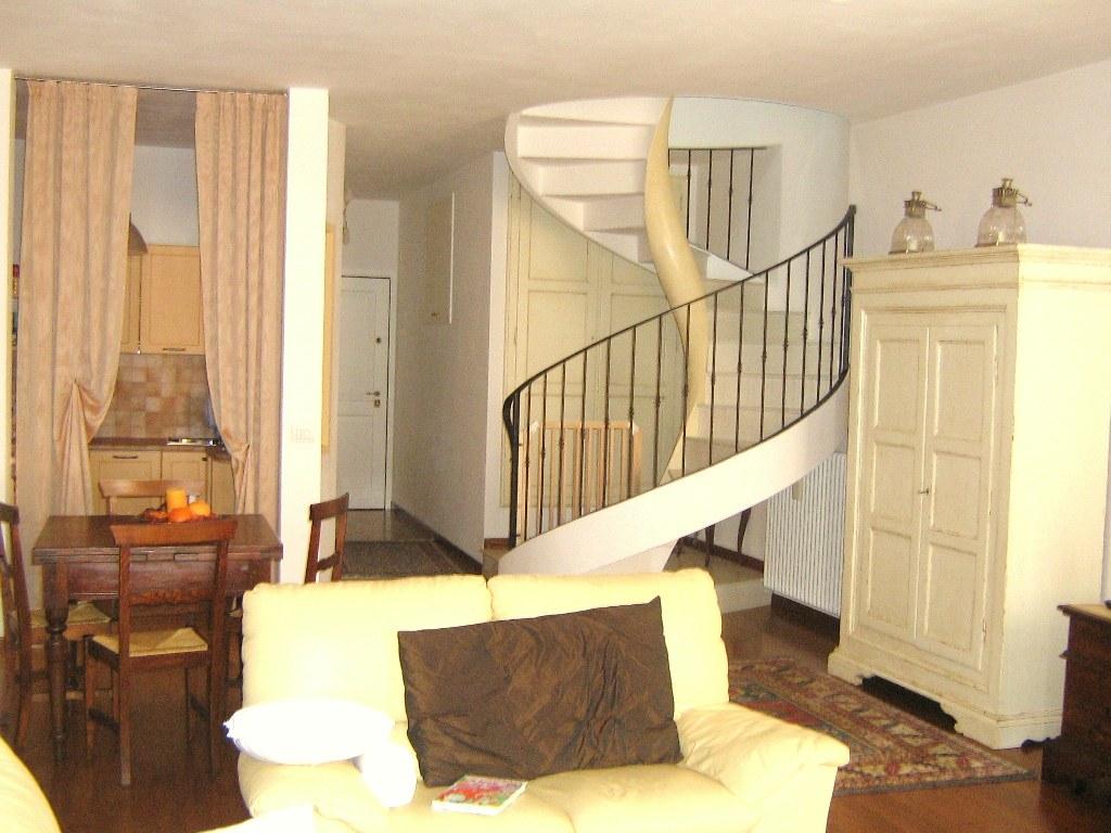 Appartamento in affitto a Cesena, 3 locali, zona Località: CENTROSTORICO, prezzo € 800   CambioCasa.it