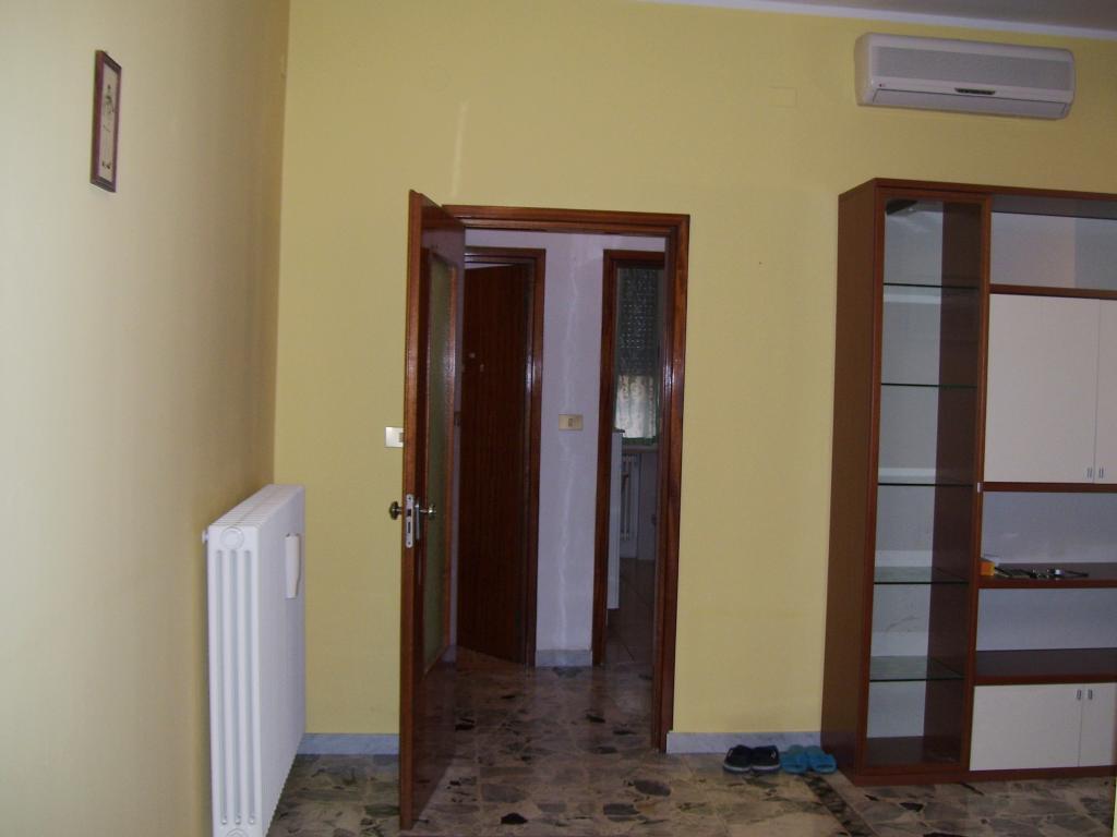 Appartamento in affitto a Ravenna, 5 locali, zona Zona: Gallery, prezzo € 600 | CambioCasa.it