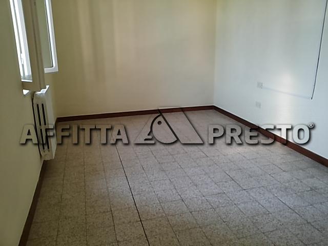 Soluzione Indipendente in affitto a Ponsacco, 4 locali, prezzo € 450 | CambioCasa.it