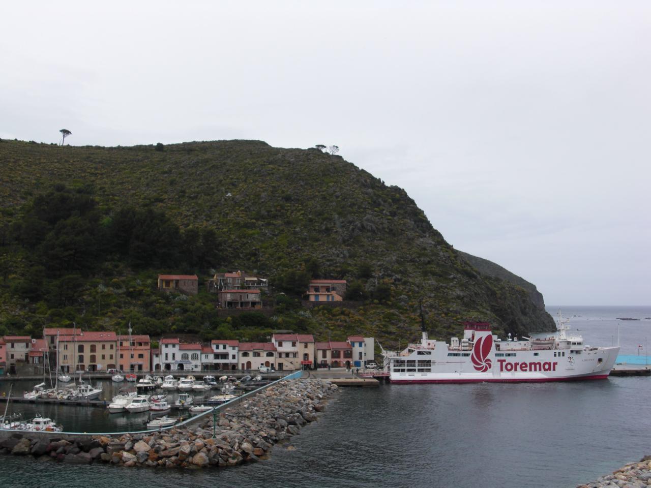 Soluzione Indipendente in affitto a Capraia Isola, 4 locali, prezzo € 450 | CambioCasa.it