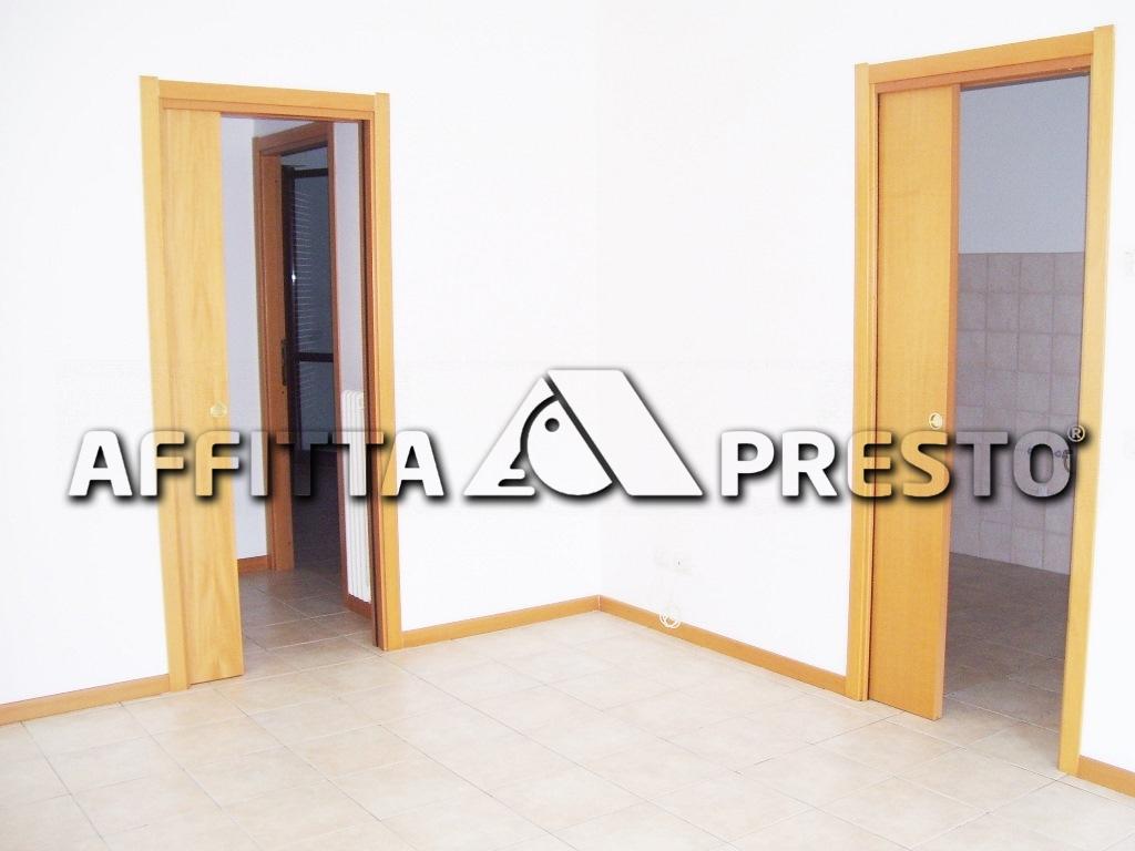 Appartamento in affitto a Ravenna, 4 locali, zona Località: Comet, prezzo € 650 | CambioCasa.it