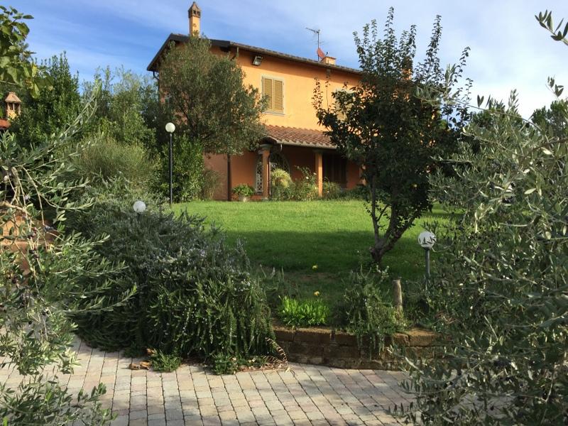 Villa a Schiera in Affitto a Cerreto Guidi