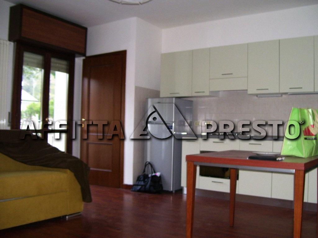 Soluzione Semindipendente in affitto a Ravenna, 1 locali, zona Località: Centro, prezzo € 450 | CambioCasa.it